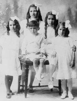 (L to R Mathilda, Dorothy, Kathleen, Frances and Edmund in the center)